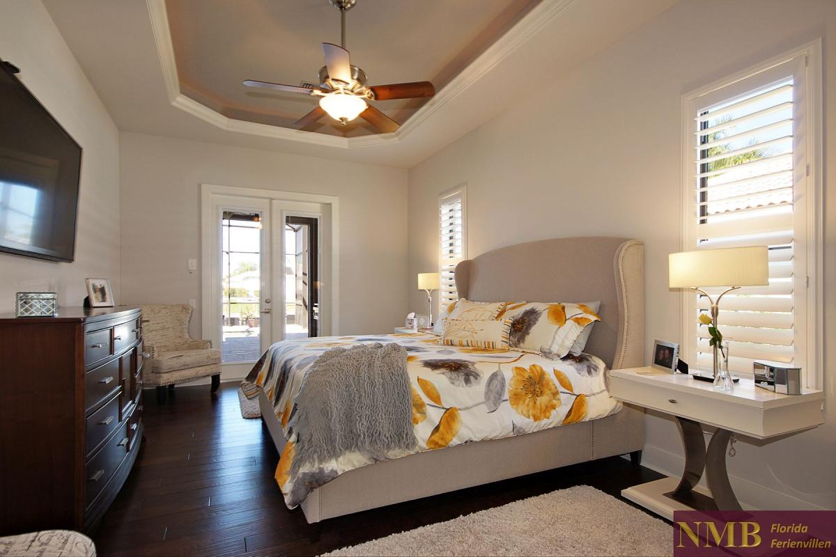 Ferienhaus-Royal_Palace-Cape_Coral-master-bed