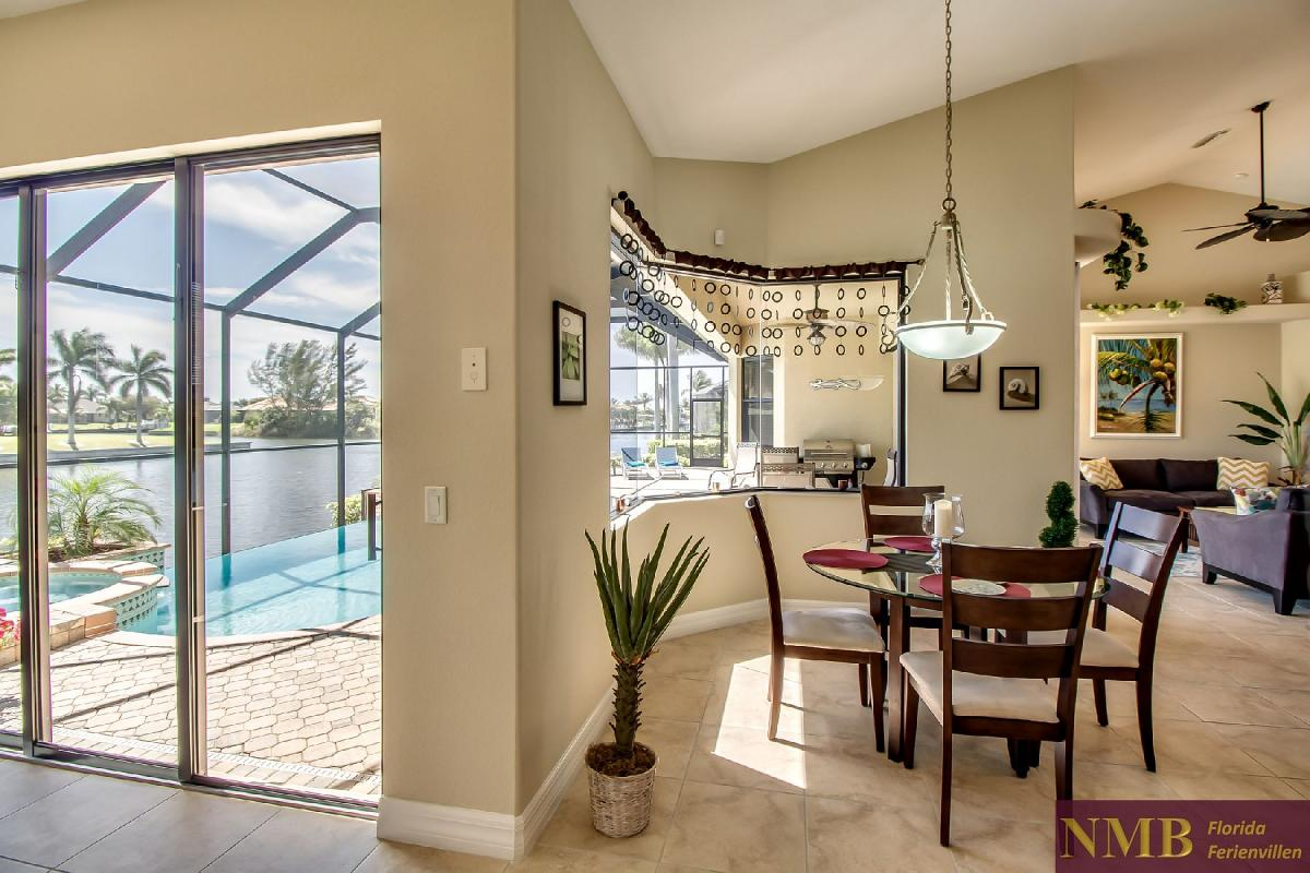 Ferienhaus-Sea-Pearl-Cape-Coral_Breakfast_Nook