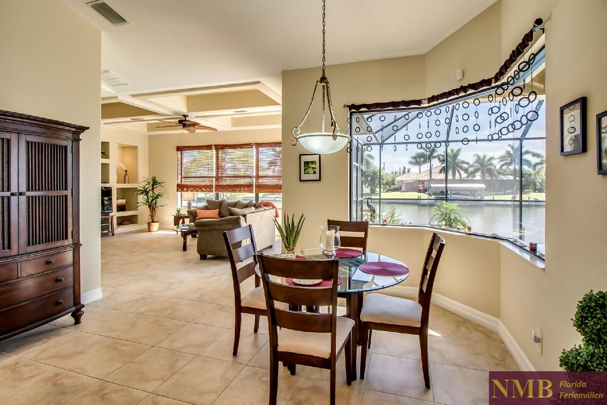 Ferienhaus-Sea-Pearl-Cape-Coral_Breakfast_Nook_1