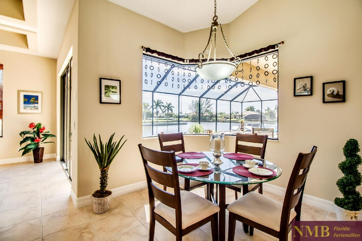 Ferienhaus-Sea-Pearl-Cape-Coral_Breakfast_Nook_2