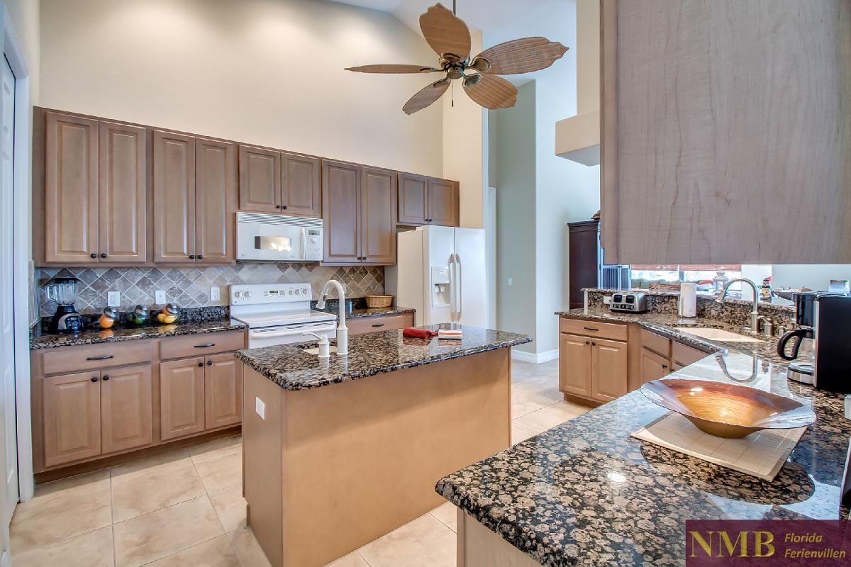 Ferienhaus-Sea-Pearl-Cape-Coral_Kitchen_3