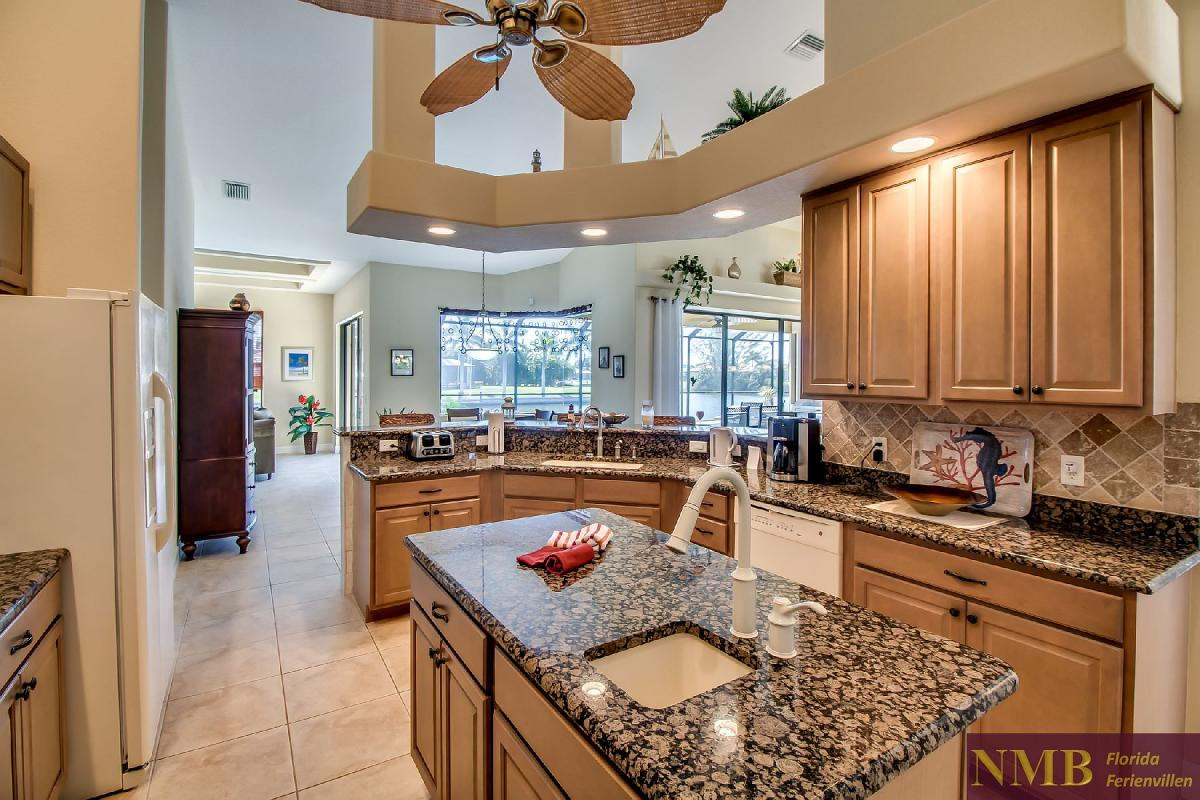 Ferienhaus-Sea-Pearl-Cape-Coral_Kitchen_4