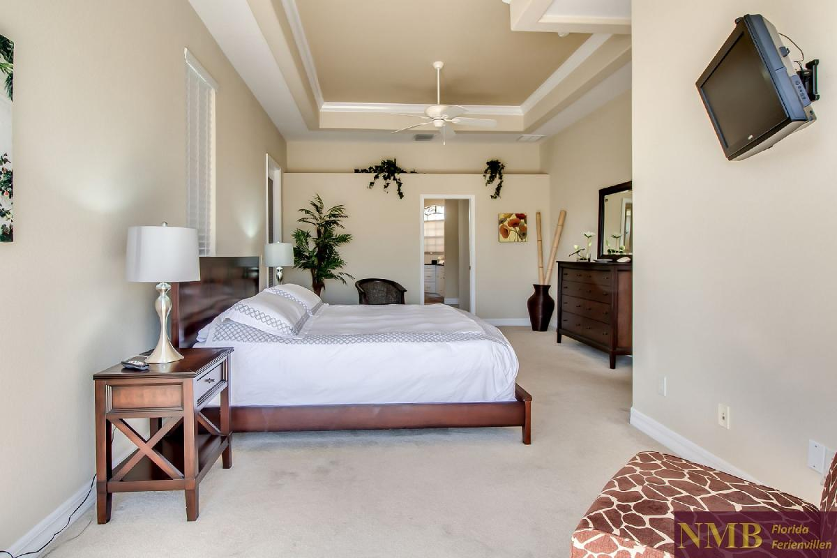 Ferienhaus-Sea-Pearl-Cape-Coral_Master_Bedroom