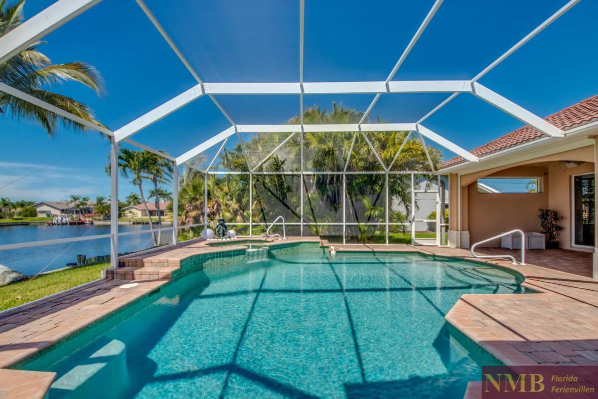 Ferienhaus-Whispering-Palms_67-Pool