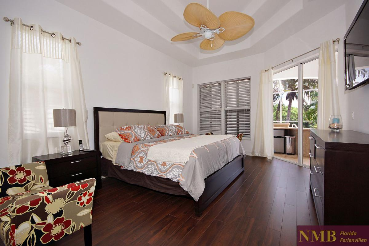 Ferienhaus_Cape_Coral_Liberty_master-bed