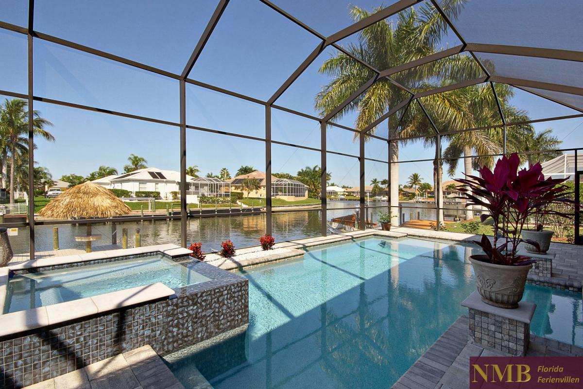 Ferienhaus-Royal_Palace-Cape_Coral-pool