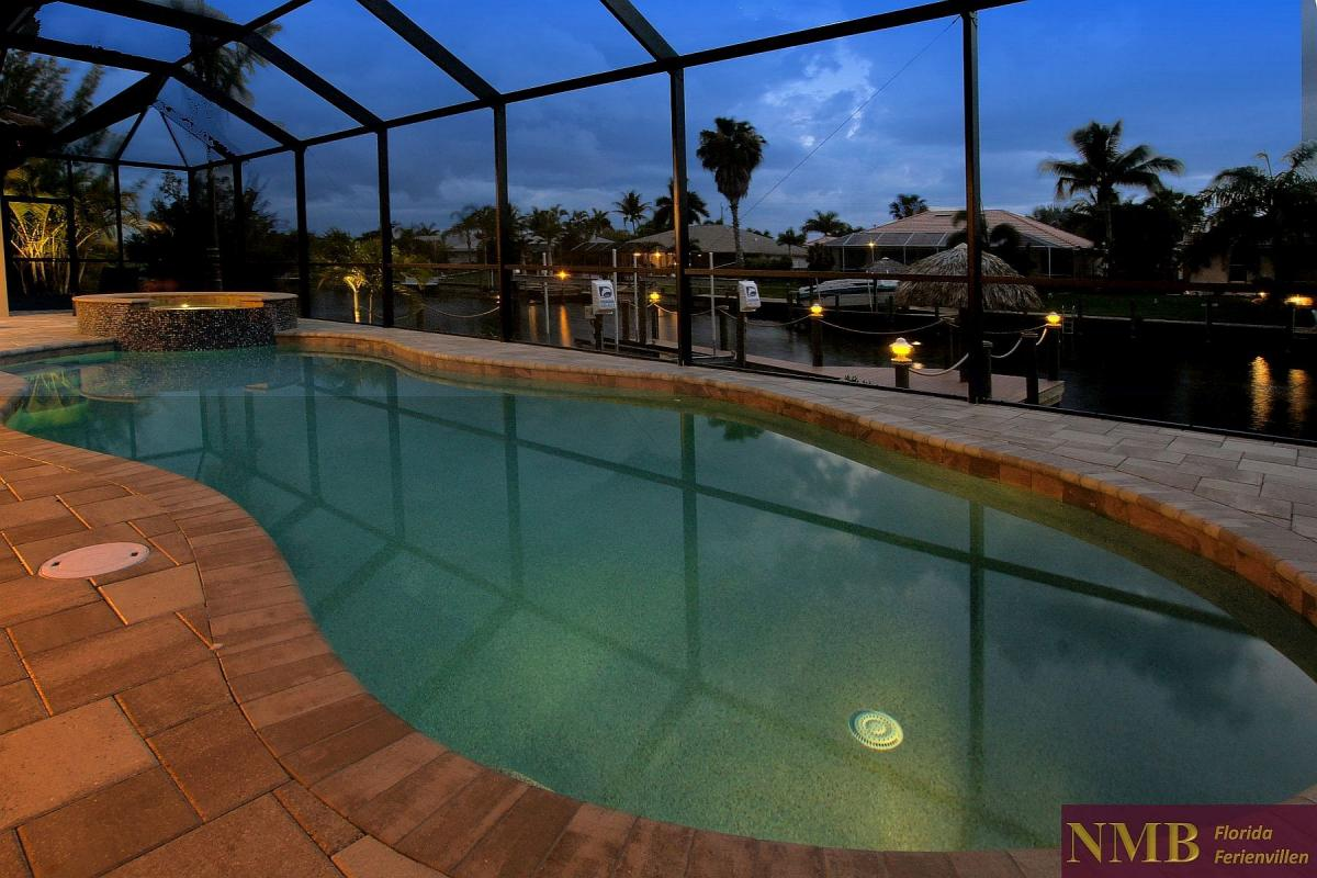 Ferienhaus_Cape_Coral_Sunlight-pool-02