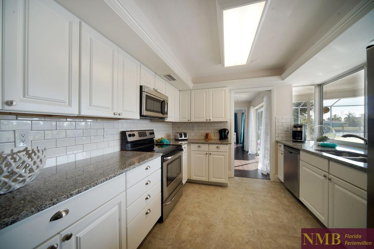 Ferienhaus_Cape_Coral_Sandy-Beach-kitchen