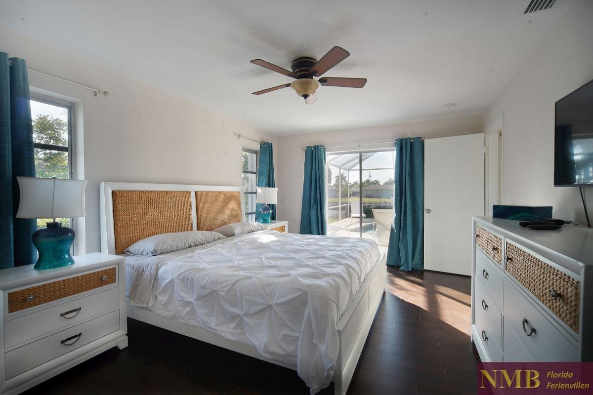 Ferienhaus_Cape_Coral_Sandy-Beach-master-bed