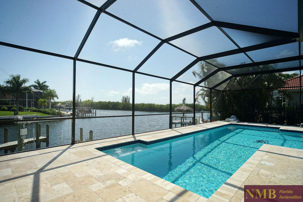 Ferienhaus_Cape_Coral_Infinity-Pool-01