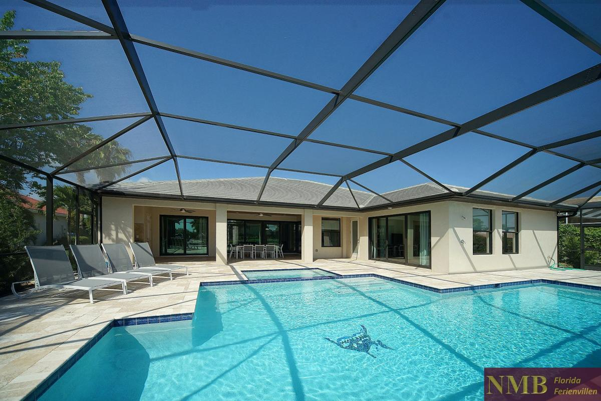 Ferienhaus_Cape_Coral_Infinity-Pool-02