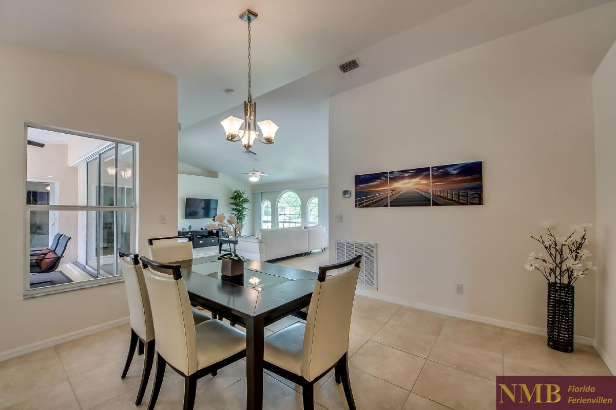 Ferienhaus_Sunset_Cape-Coral-Dining_Room_1