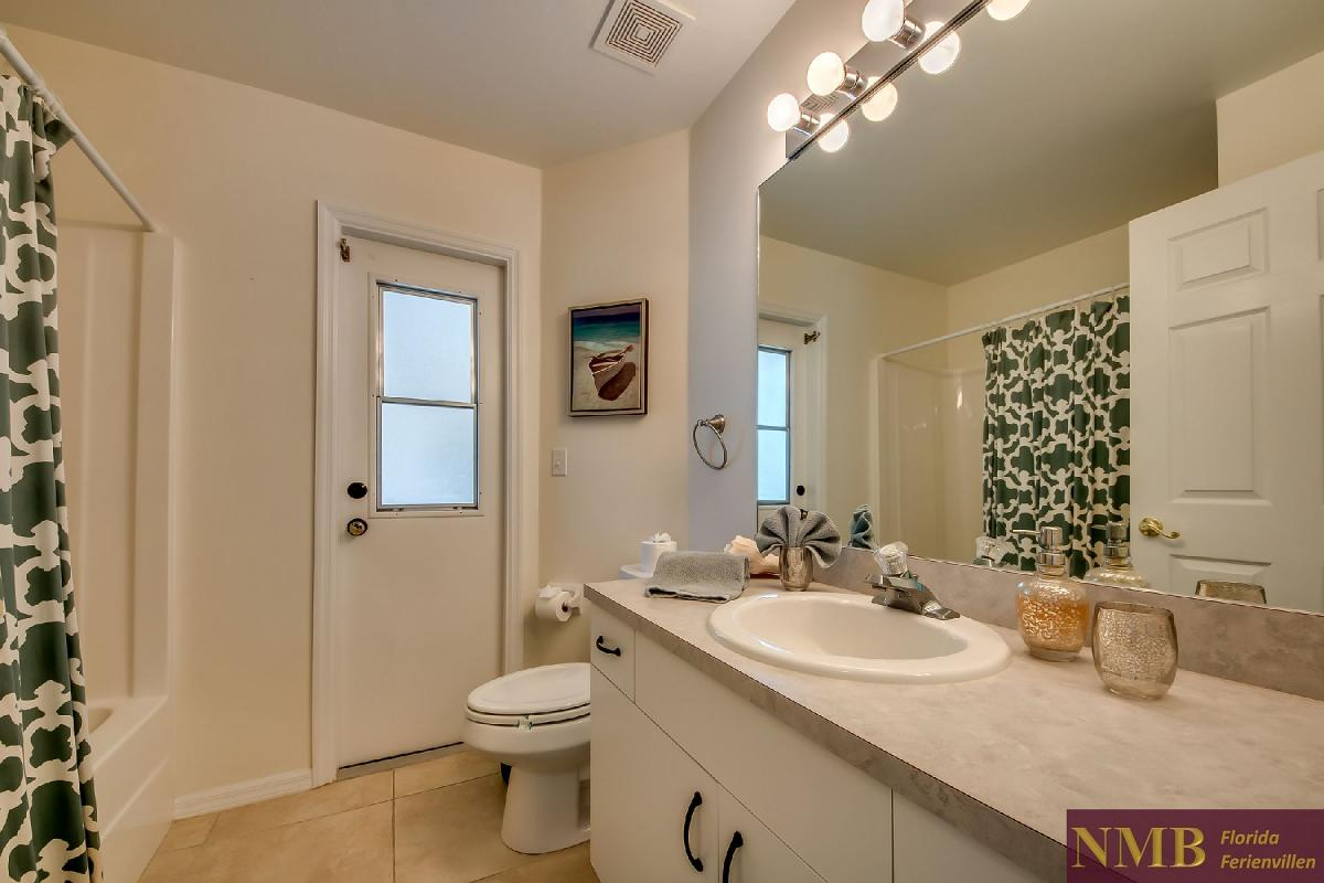 Ferienhaus_Sunset_Cape-Coral-Guest_Bathroom
