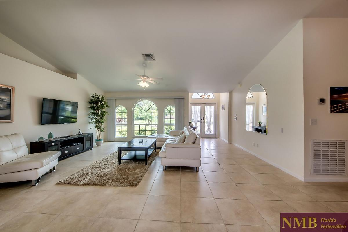 Ferienhaus_Sunset_Cape-Coral-Living_Room_1