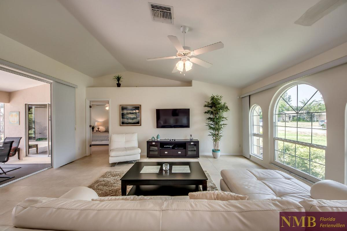 Ferienhaus_Sunset_Cape-Coral-Living_Room_2