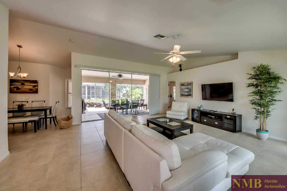 Ferienhaus_Sunset_Cape-Coral-Living_Room_3