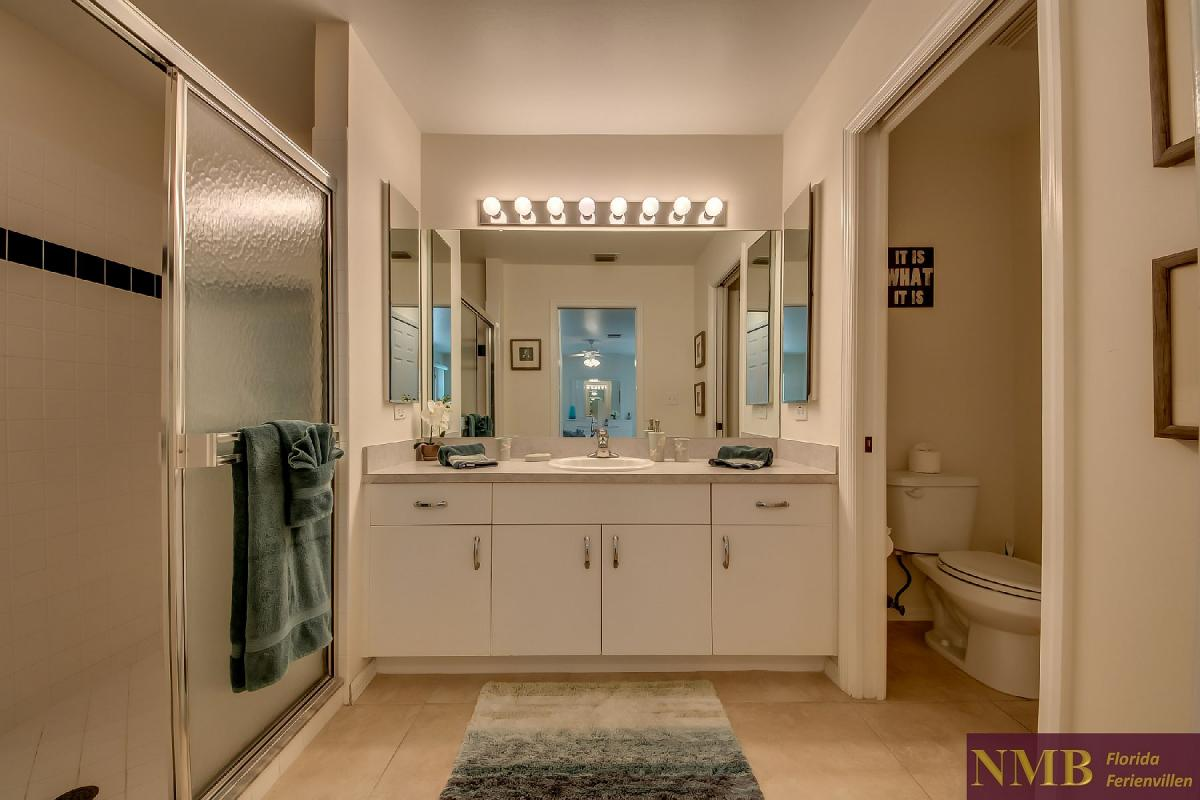 Ferienhaus_Sunset_Cape-Coral-Master_Bathroom