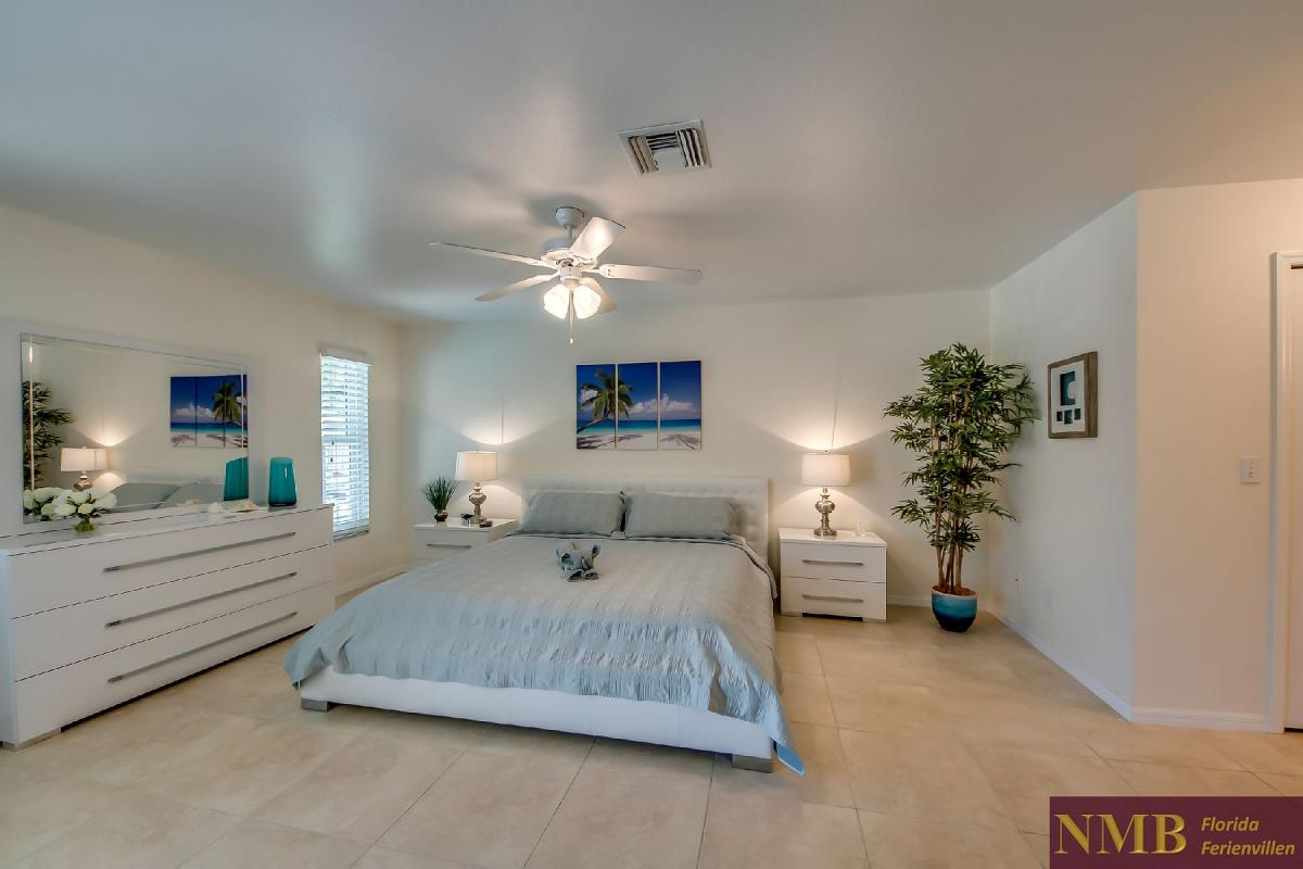 Ferienhaus_Sunset_Cape-Coral-Master_Bedroom