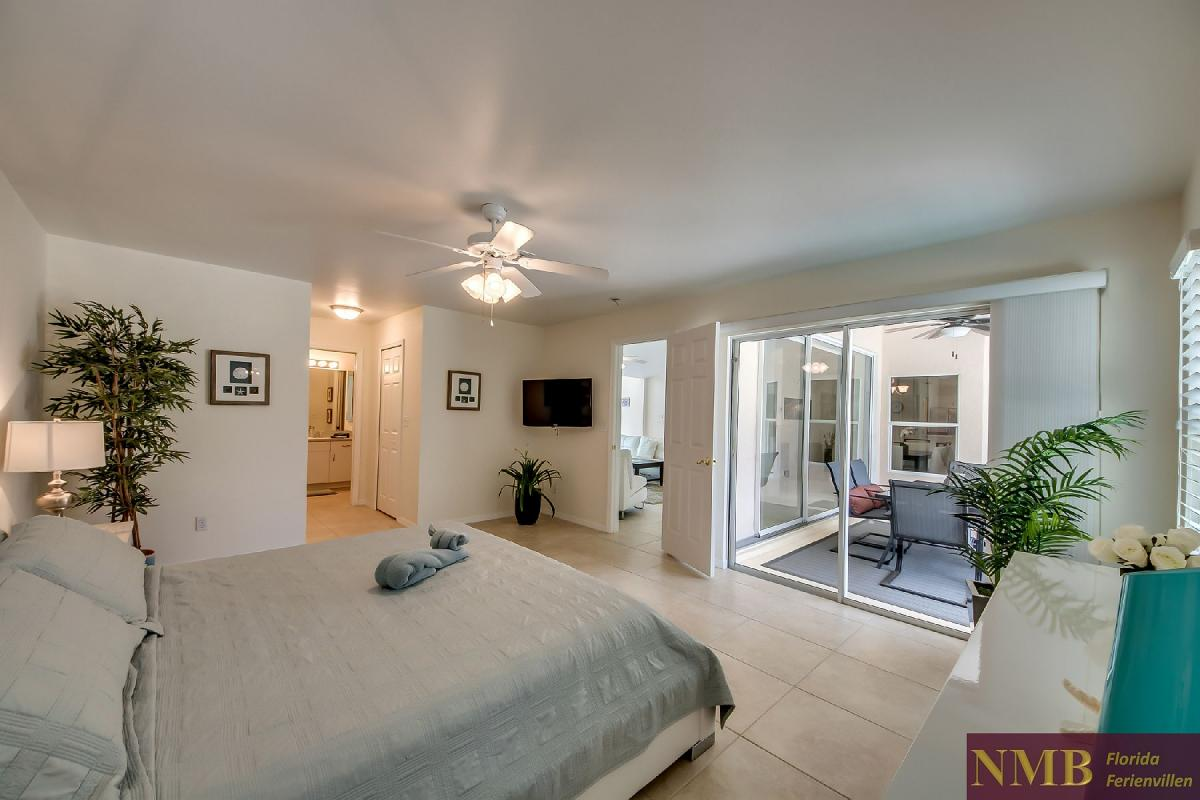 Ferienhaus_Sunset_Cape-Coral-Master_Bedroom_1
