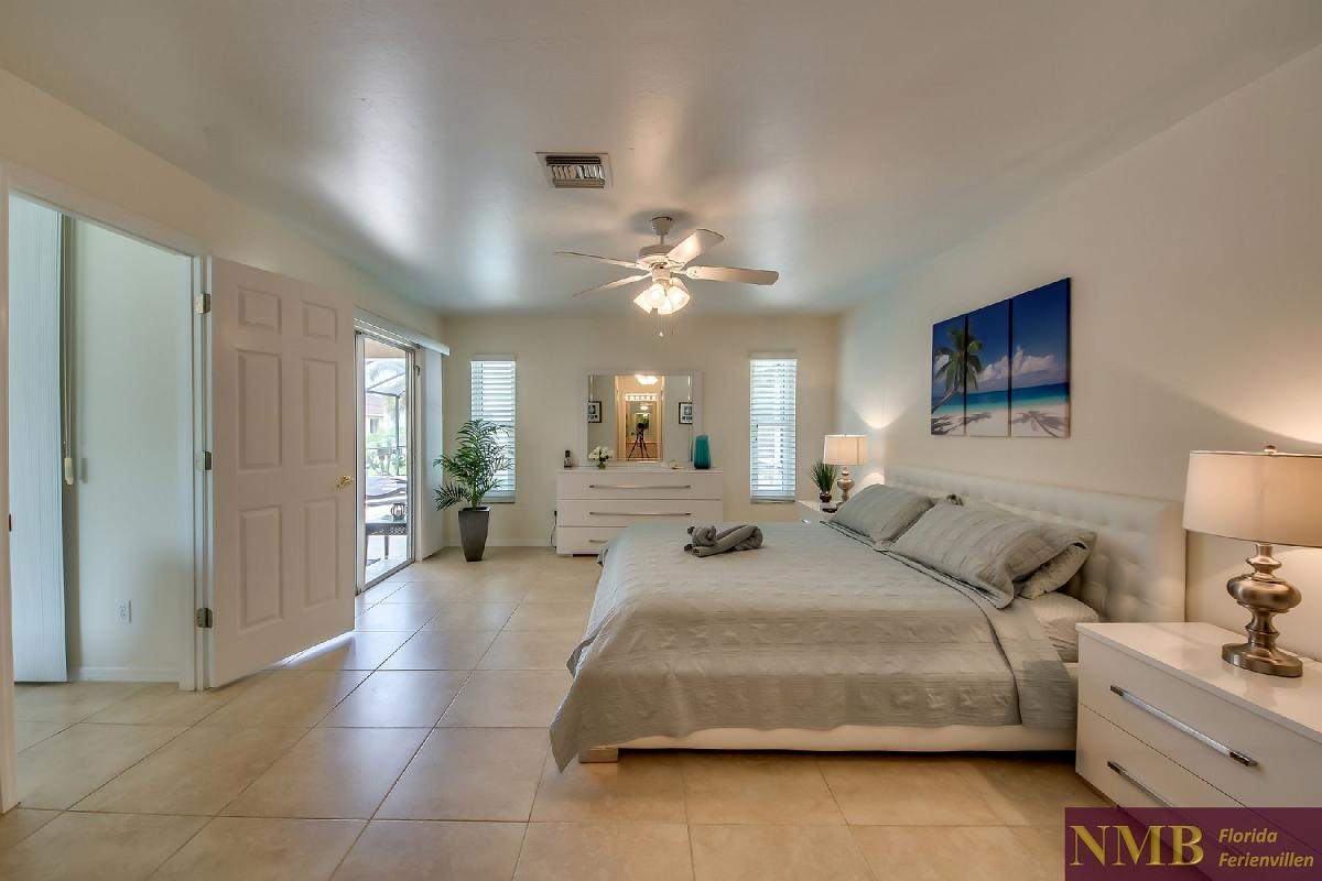 Ferienhaus_Sunset_Cape-Coral-Master_Bedroom_2