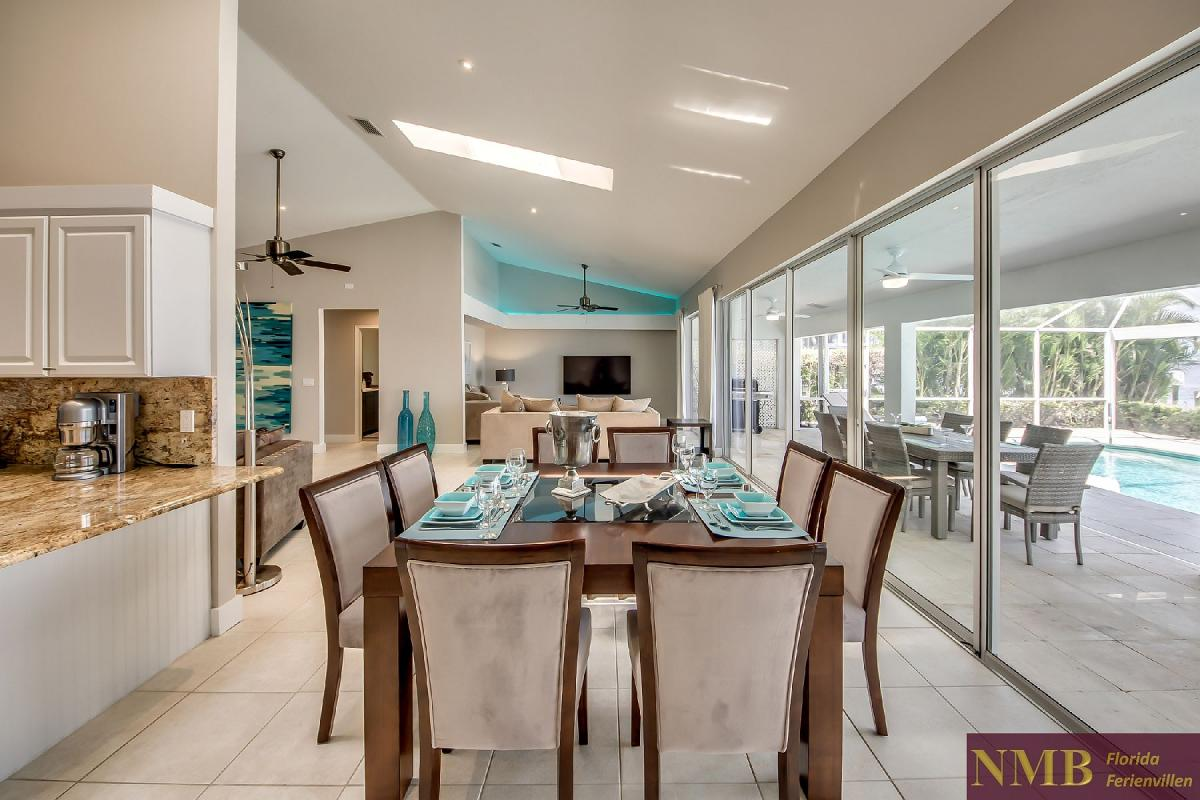 Vacation_Rental_River_Pearl_Dining_Area_1