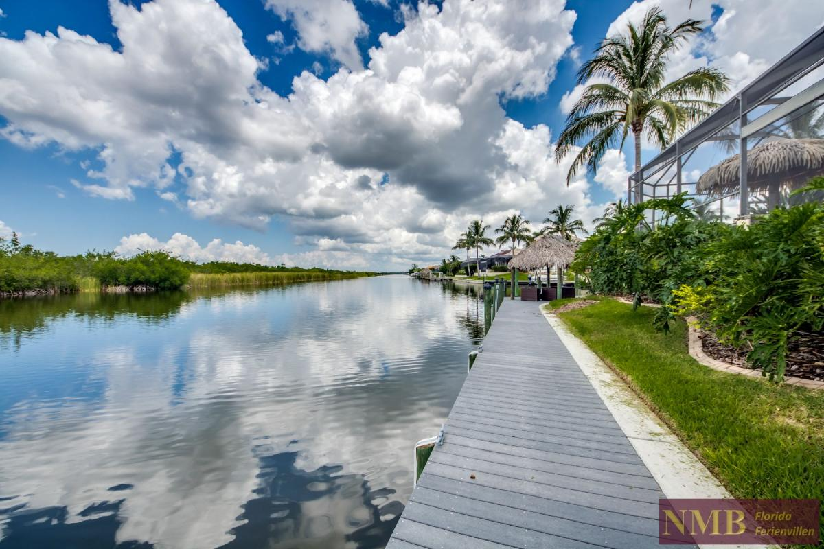 Palm_Beach-Beautiful_Canal_1