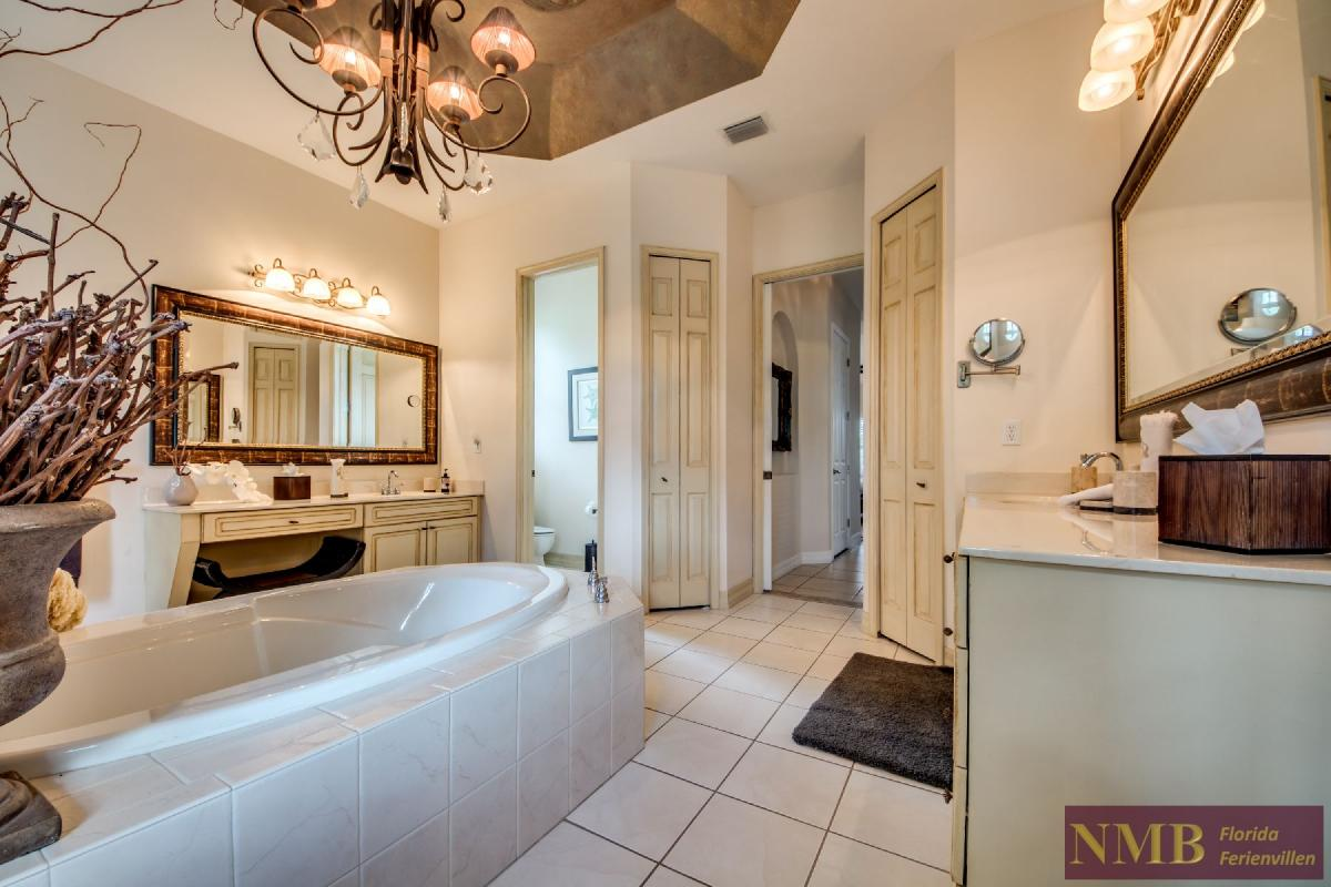 Palm_Beach-Master_Bathroom