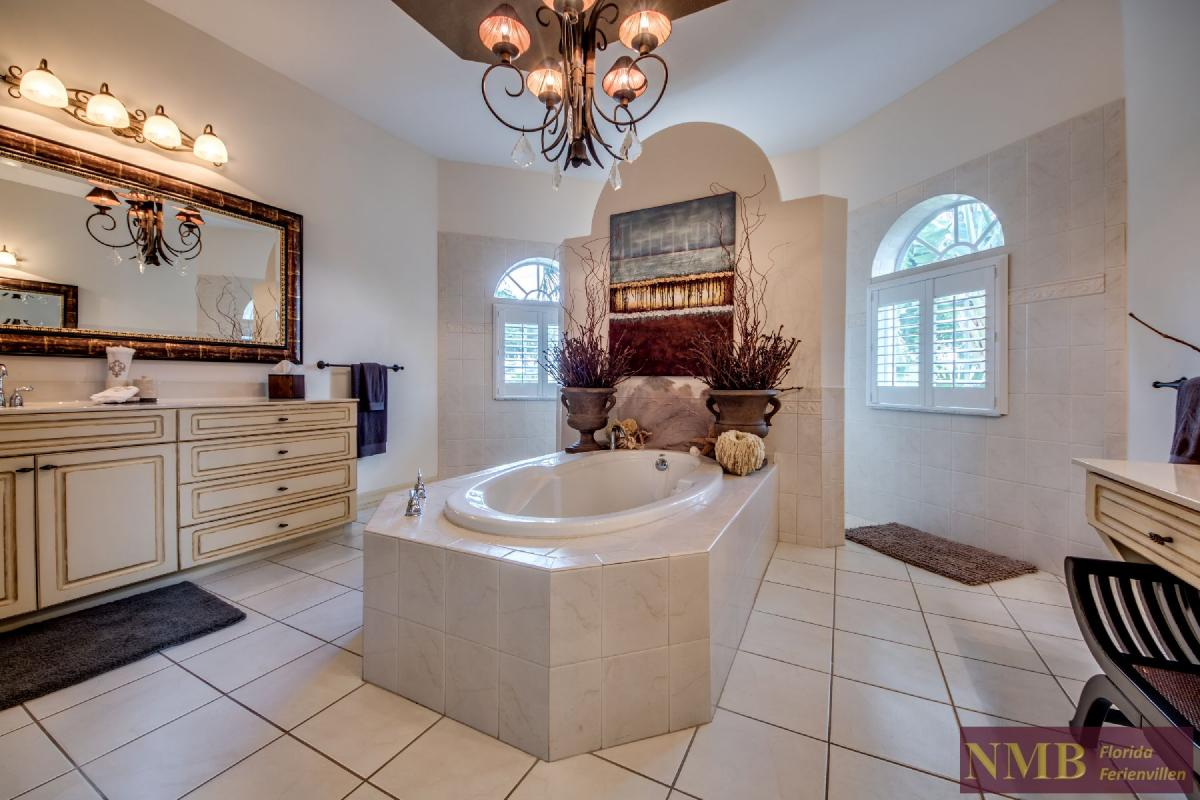 Palm_Beach-Master_Bathroom_1