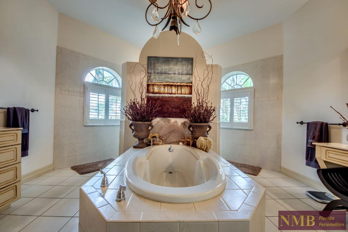 Palm_Beach-Master_Bathroom_2