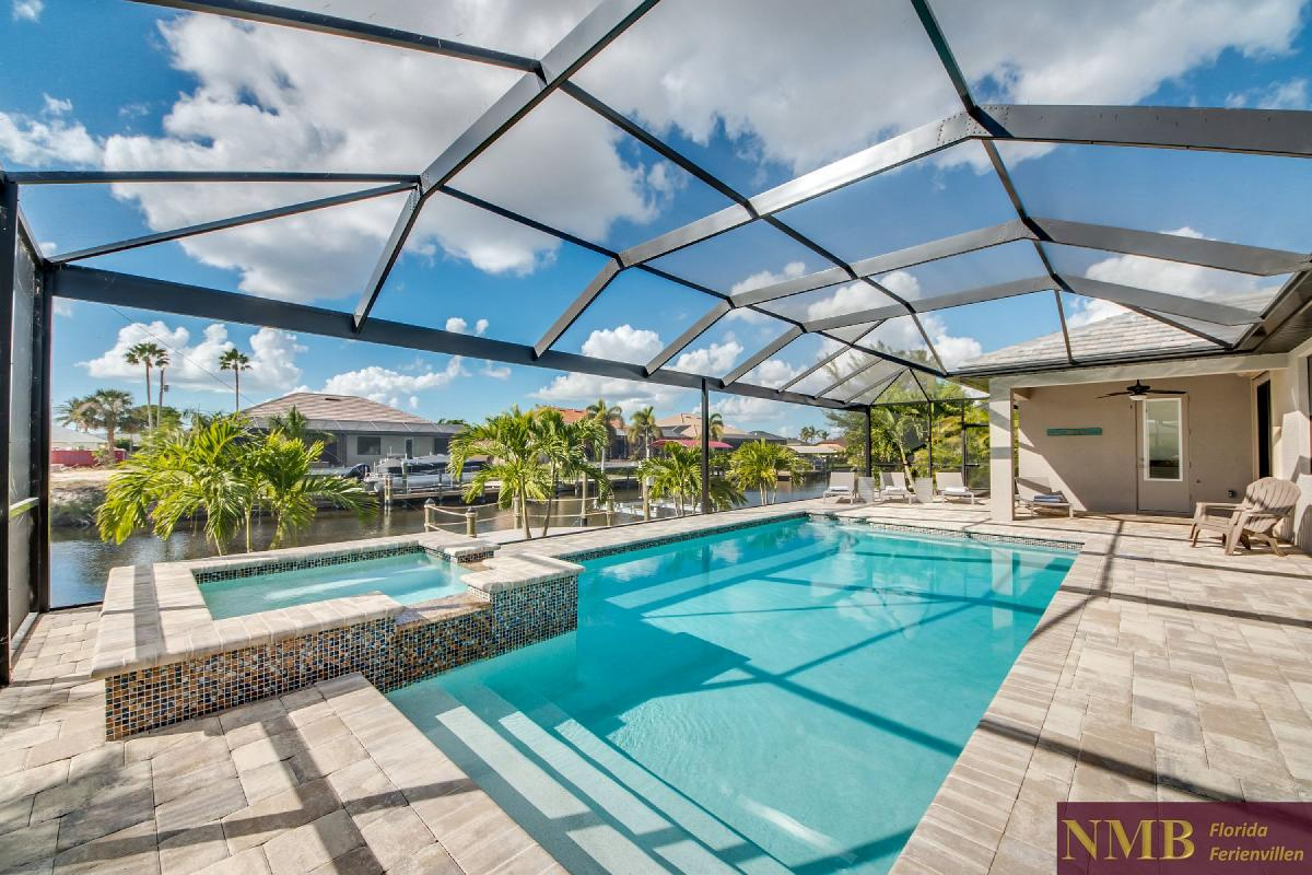 Ferienhaus_Clifton_Bay_Pool_1