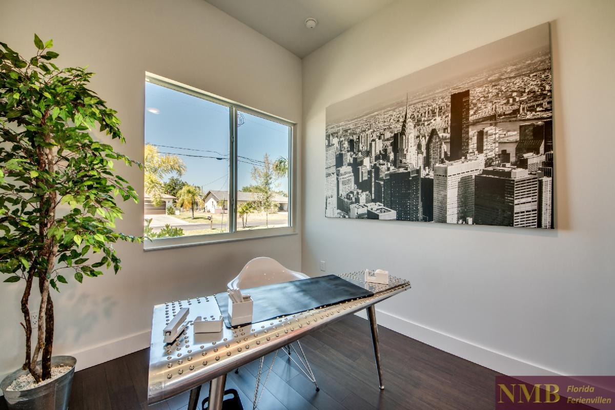Vacation-Rental-Cape-Coral-Next-Level_Den_Office_1