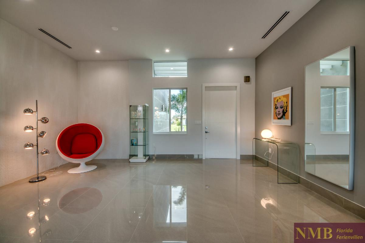 Vacation-Rental-Cape-Coral-Next-Level_Foyer
