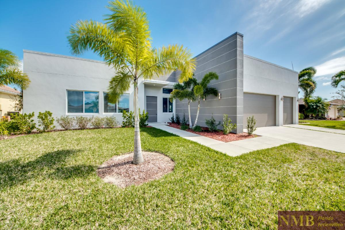 Vacation-Rental-Cape-Coral-Next-Level_Front_of_Villa_3