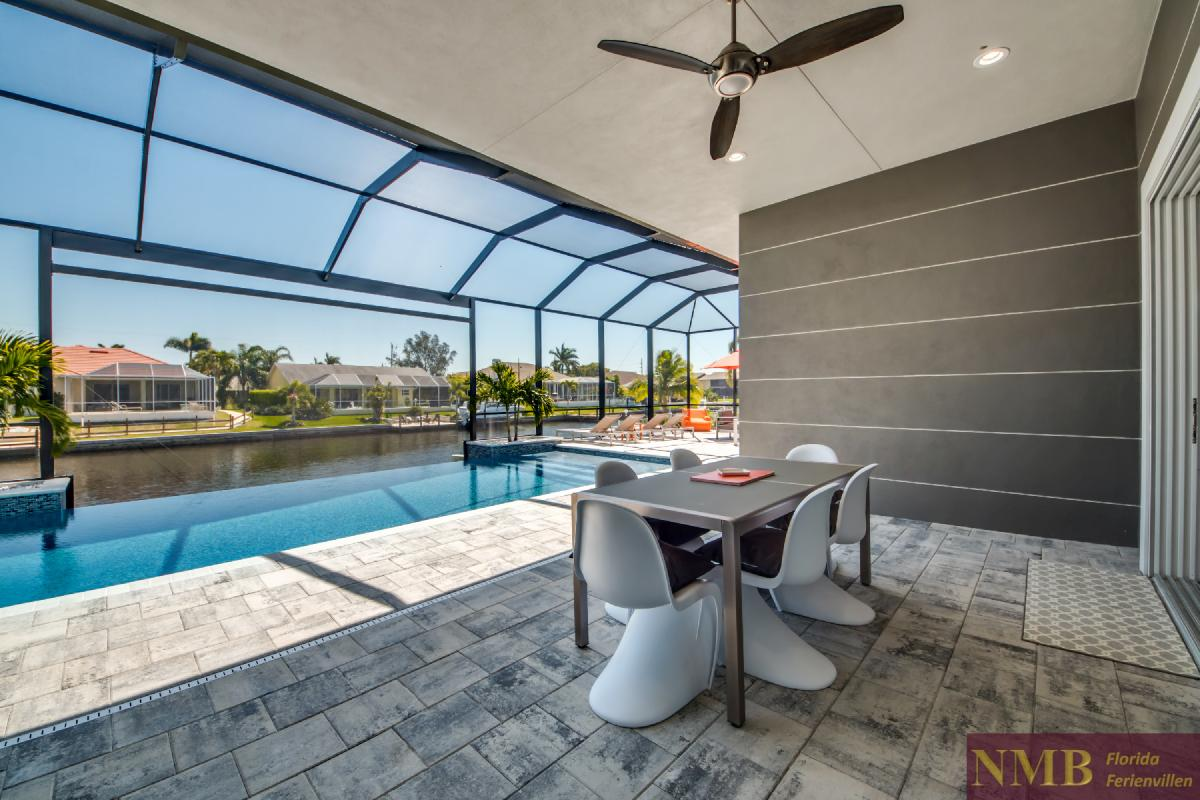 Vacation-Rental-Cape-Coral-Next-Level_Lanai_1