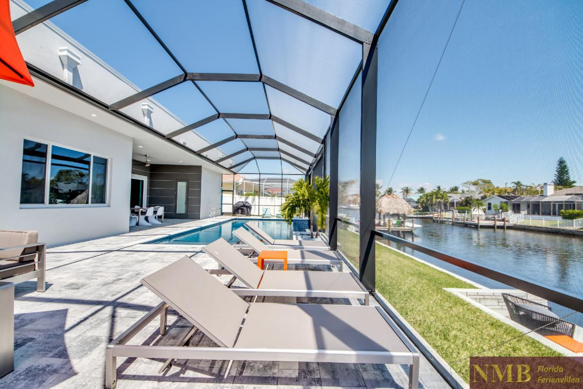 Vacation-Rental-Cape-Coral-Next-Level_Sun_Deck