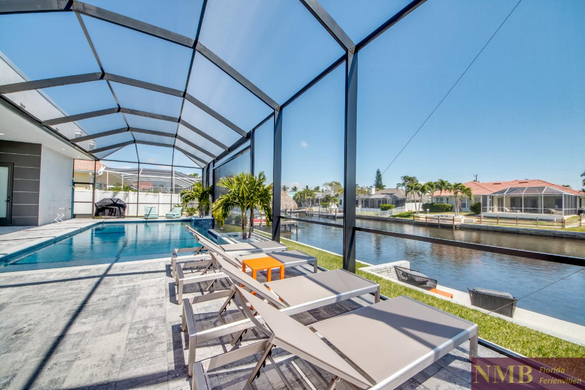 Vacation-Rental-Cape-Coral-Next-Level_Sun_Deck_1
