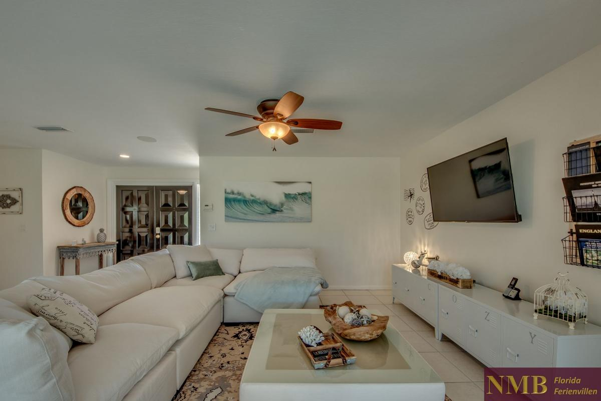 Ferienhaus-Cape-Coral-Cozy-Island_12-Family Room