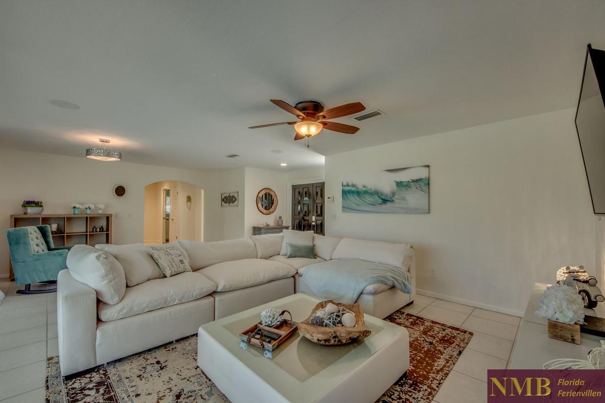 Ferienhaus-Cape-Coral-Cozy-Island_13-Family Room