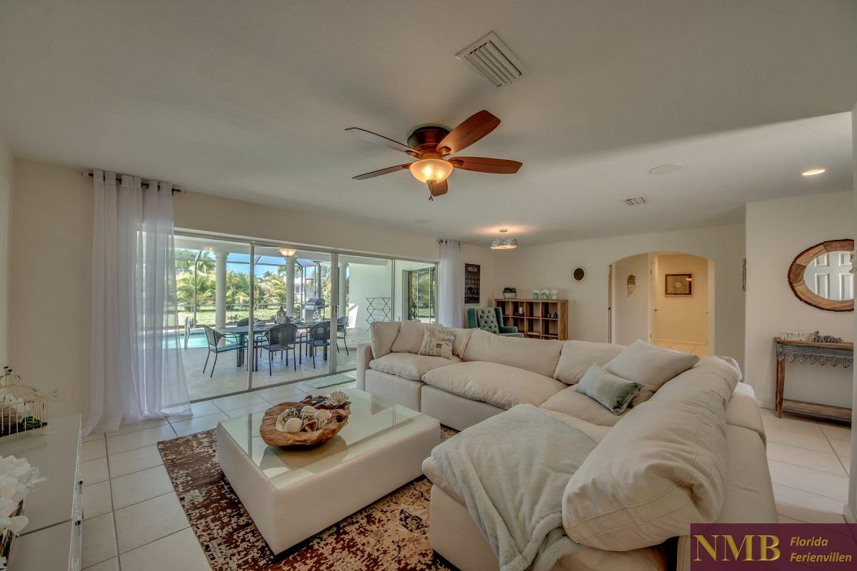 Ferienhaus-Cape-Coral-Cozy-Island_14-Family Room