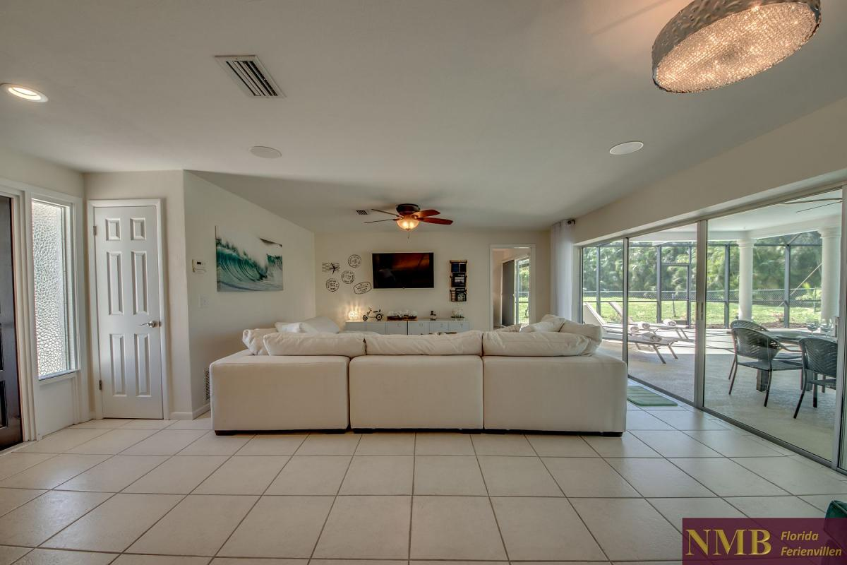 Ferienhaus-Cape-Coral-Cozy-Island_9-Family Room
