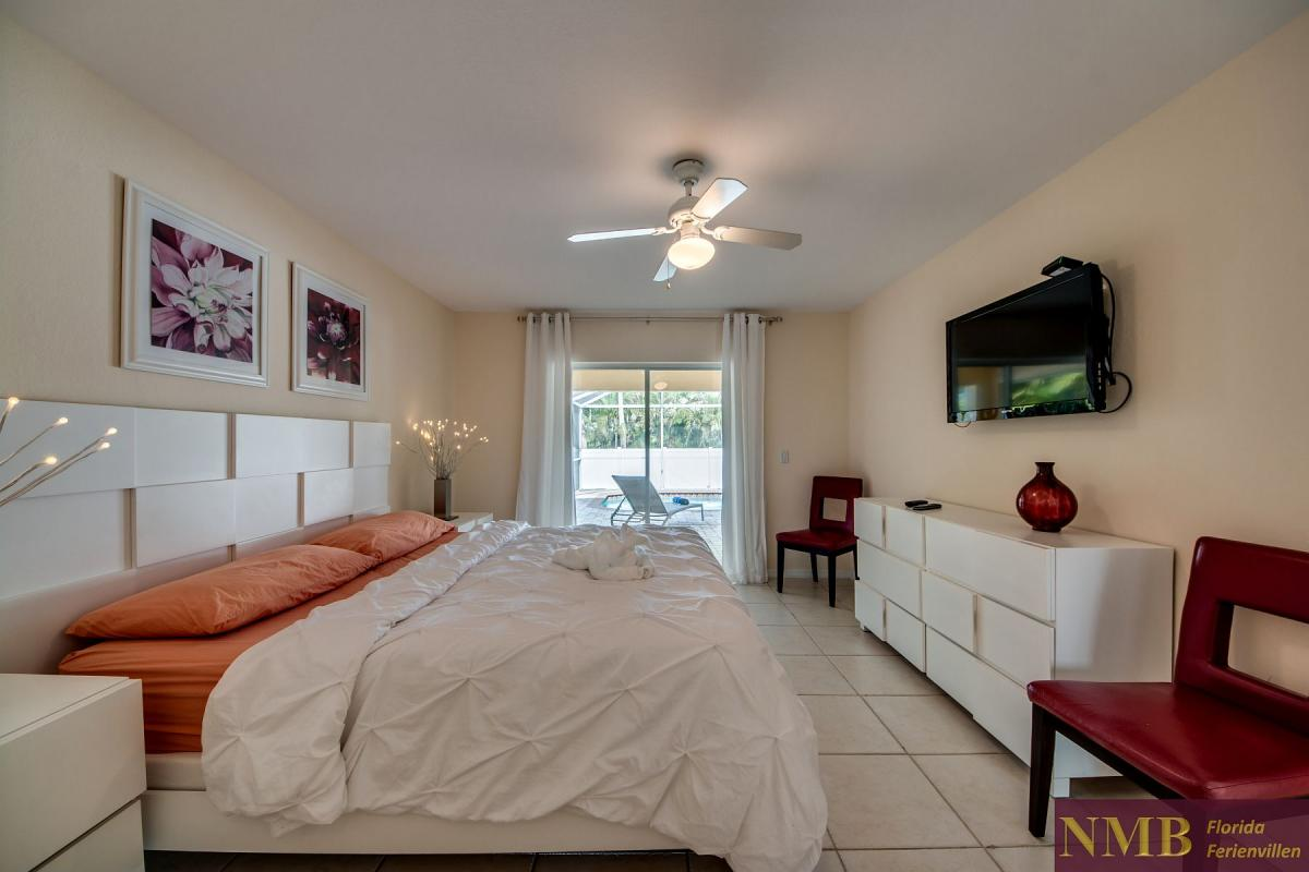 Ferienhaus-Florida-Orange-Blossom_Master_Bedroom_1